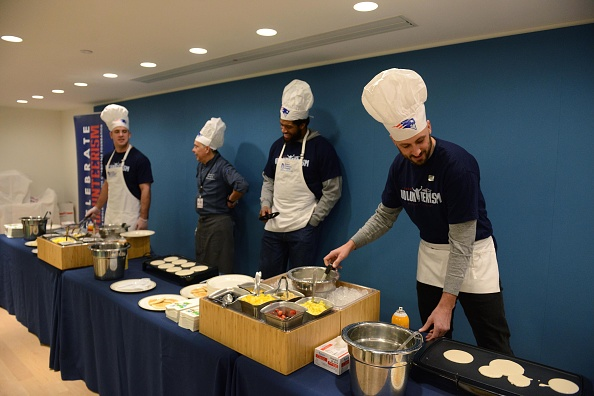 Brian Cook「Boston Children's Hospital and the New England Patriots Celebrate Annual Pancake Day Party」:写真・画像(18)[壁紙.com]
