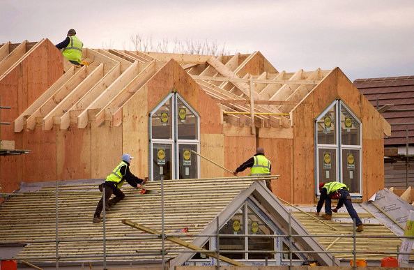 Construction Worker「New England style kit houses by Watermark Development near Cirencester, West Country, England.」:写真・画像(9)[壁紙.com]