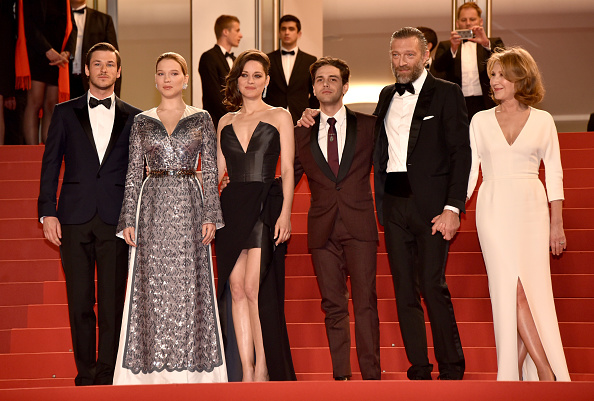 "Nathalie Baye「""It's Only The End Of The World (Juste La Fin Du Monde)"" - Red Carpet Arrivals - The 69th Annual Cannes Film Festival」:写真・画像(9)[壁紙.com]"