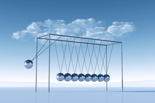Continuity「Shiny silver Newton's Cradle in front and blue sky」:スマホ壁紙(8)
