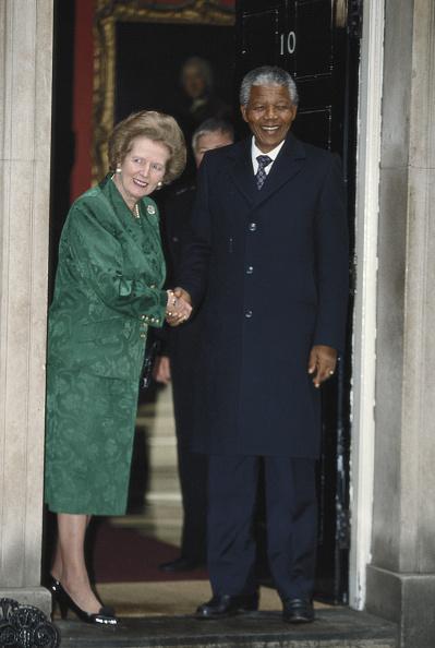 全身「Mandela Visits Thatcher」:写真・画像(2)[壁紙.com]