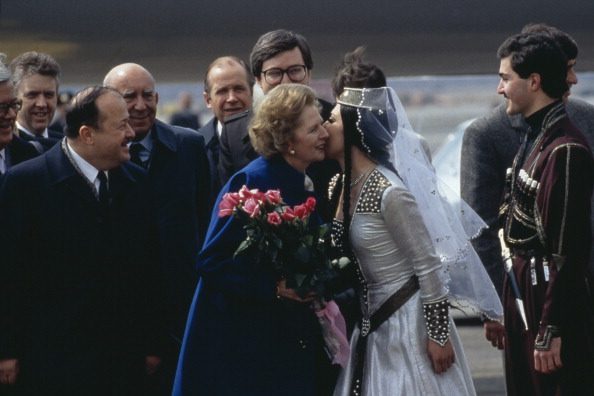Bouquet「Thatcher In Moscow」:写真・画像(1)[壁紙.com]