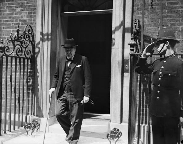 Central Press「Churchill In Downing Sreet」:写真・画像(18)[壁紙.com]