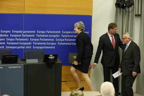 Thomas Niedermueller「British Prime Minister Makes A Statement On Brexit From Strasbourg」:写真・画像(12)[壁紙.com]