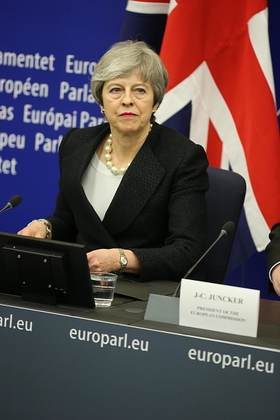 Thomas Niedermueller「British Prime Minister Makes A Statement On Brexit From Strasbourg」:写真・画像(2)[壁紙.com]