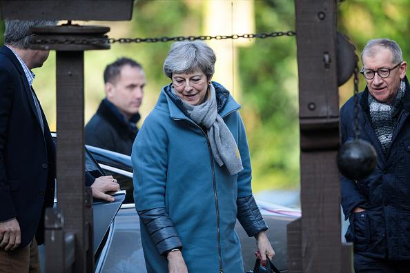 トピックス「Theresa May Attends Church With Her Husband」:写真・画像(1)[壁紙.com]