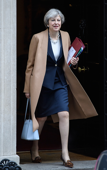 Navy Blue「Theresa May Attends Prime Minister's Questions」:写真・画像(7)[壁紙.com]