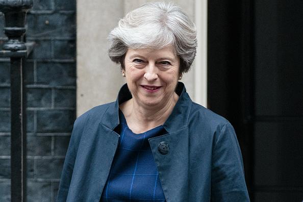 笑顔「Theresa May Leaves Downing Street To Head To Brussels For Further Brexit Talks」:写真・画像(17)[壁紙.com]