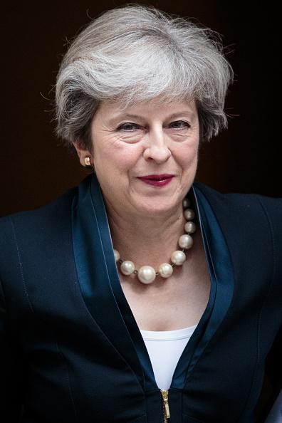 カメラ目線「Theresa May Holds First PMQ's Since The Summer Recess」:写真・画像(7)[壁紙.com]