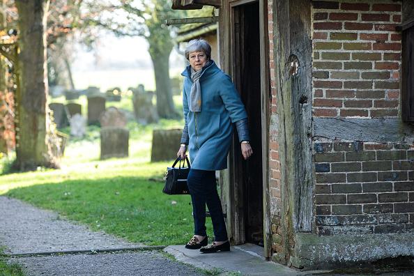 トピックス「Theresa May Attends Church With Her Husband」:写真・画像(9)[壁紙.com]