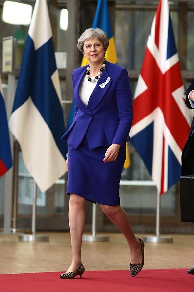 全身「British Prime Minister Attends The European Council」:写真・画像(16)[壁紙.com]