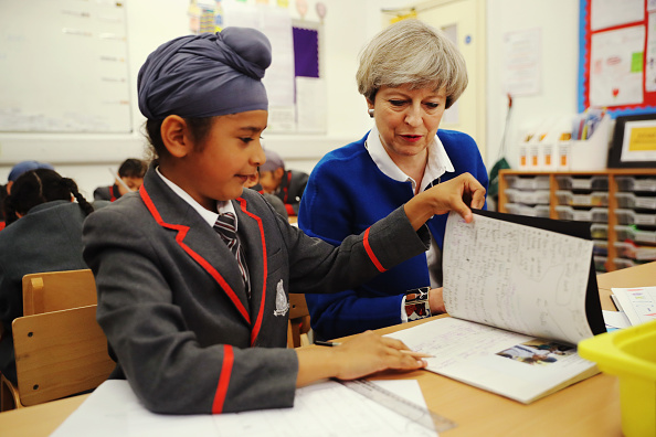 School Bus「Theresa May Campaigns On The Conservative Battle Bus - Day Five」:写真・画像(12)[壁紙.com]