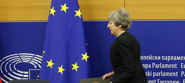 Thomas Niedermueller「British Prime Minister Makes A Statement On Brexit From Strasbourg」:写真・画像(0)[壁紙.com]