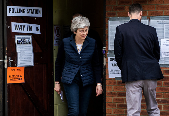 Election「Theresa May Votes In Her Local Council Election」:写真・画像(4)[壁紙.com]