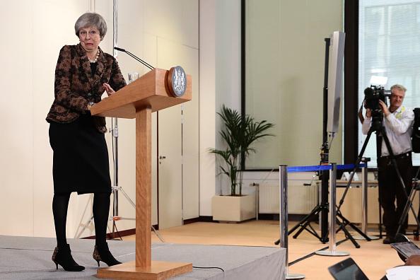 全身「Brexit Back On The Agenda At EU Summit - Day Two」:写真・画像(6)[壁紙.com]