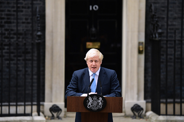 Boris Johnson「Prime Minister Boris Johnson Delivers Speech Outside 10 Downing Street」:写真・画像(0)[壁紙.com]