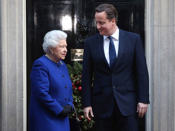 Prime Minister of the United Kingdom「Queen Elizabeth II Attends The Government's Weekly Cabinet Meeting」:写真・画像(11)[壁紙.com]
