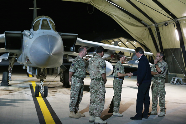 Dan Kitwood「Prime Minister David Cameron Visits RAF Base In Cyprus」:写真・画像(7)[壁紙.com]
