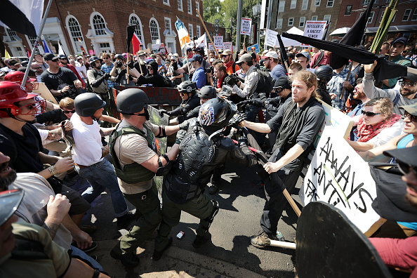 "Confrontation「Violent Clashes Erupt at ""Unite The Right"" Rally In Charlottesville」:写真・画像(5)[壁紙.com]"
