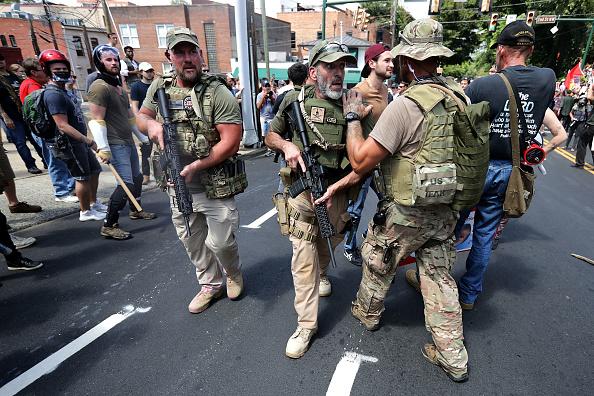 ネオナチ「Violent Clashes Erupt at 'Unite The Right' Rally In Charlottesville」:写真・画像(10)[壁紙.com]