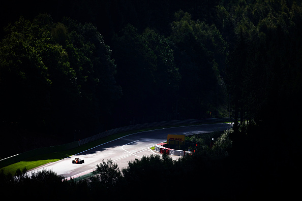 Ardennes Forest「Formula One Car, Ardennes Forest, Spa-Francorchamps, 2010 Belgian Grand Prix」:写真・画像(4)[壁紙.com]
