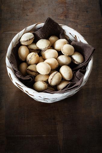 イースター「Basket of waffle eggs on dark wood」:スマホ壁紙(14)