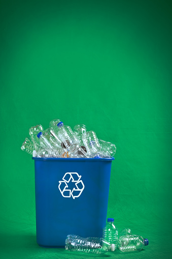 Isolated Color「Recycling Bin Overflowing With Plastic Bottles」:スマホ壁紙(17)