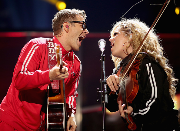 Bobby Bones and the Raging Idiots「2017 iHeartCountry Festival, A Music Experience By AT&T - Show」:写真・画像(0)[壁紙.com]