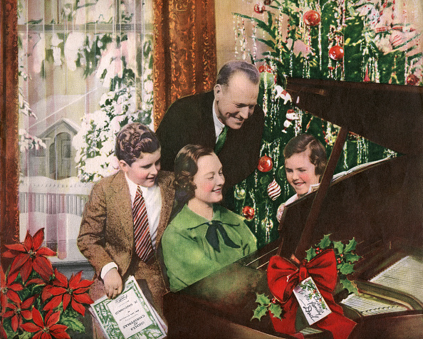 Musical instrument「Family Gathered Around Piano」:写真・画像(9)[壁紙.com]