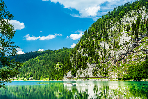 Dachstein Mountains「Trail around the beautiful Lake Gosau with Dachstein Glacier, Gosausee, Salzkammergut, Upper Austria, Oberösterreich」:スマホ壁紙(6)