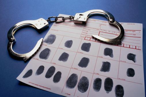 Prisoner「Handcuffs and fingerprint sheet」:スマホ壁紙(18)