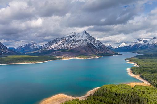 Mt Assiniboine「Spray Lakes Reservoir Aerial View, Mount Assiniboine Provincial Park, Canada」:スマホ壁紙(9)