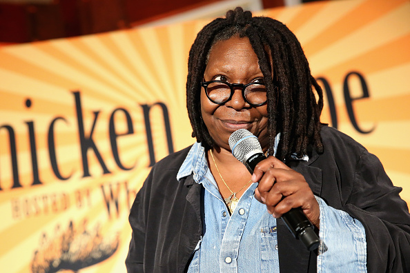 Whoopi Goldberg「Chicken Coupe Hosted By Whoopi Goldberg - Food Network & Cooking Channel New York City Wine & Food Festival presented By FOOD & WINE」:写真・画像(19)[壁紙.com]