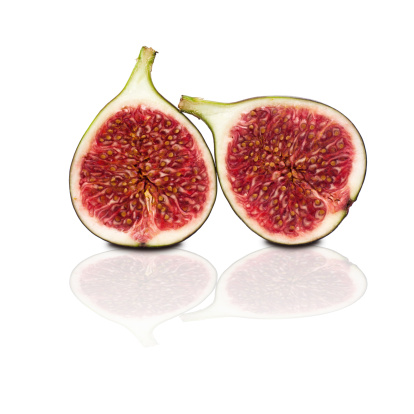 Fig「two halves of figs isolated on white background」:スマホ壁紙(16)