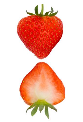 Cross Section「Two halves of fresh, ripe strawberry」:スマホ壁紙(3)