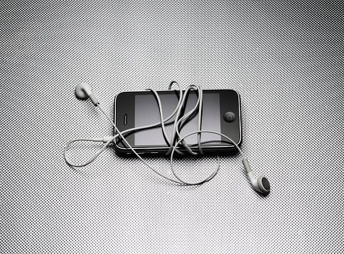 MP3 Player「Ipod and earbuds.」:スマホ壁紙(6)