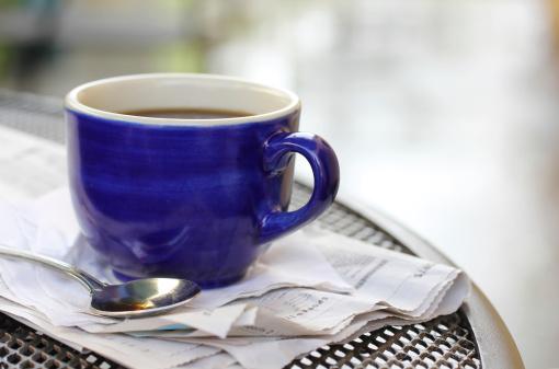 雨「「カフェ」でのコーヒー」:スマホ壁紙(18)
