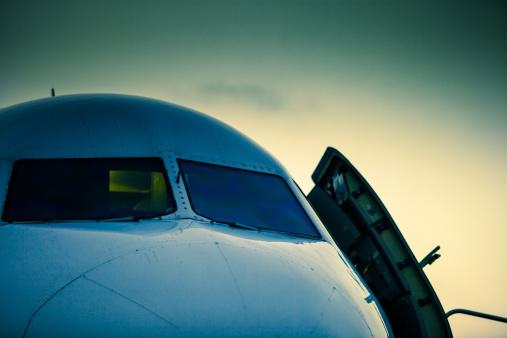 飛行機「Nose of Jet」:スマホ壁紙(12)