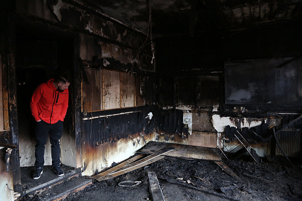 Arson「Witnesses Claim Mosque Fire Was Arson Attack」:写真・画像(18)[壁紙.com]