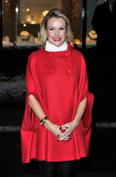 Gareth Cattermole「Amanda Holden Switches on Elizabeth Street Christmas Lights」:写真・画像(5)[壁紙.com]