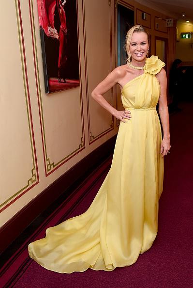 Yellow Dress「The Olivier Awards 2017 - Winners Room」:写真・画像(18)[壁紙.com]