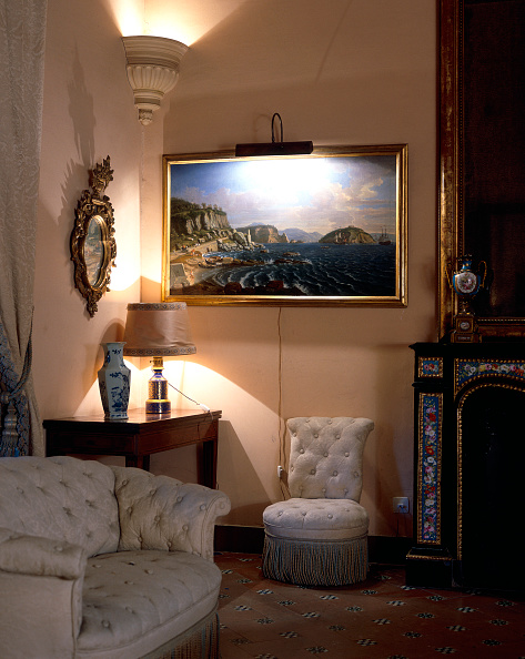 Upholstered Furniture「Living room with sofa」:写真・画像(0)[壁紙.com]