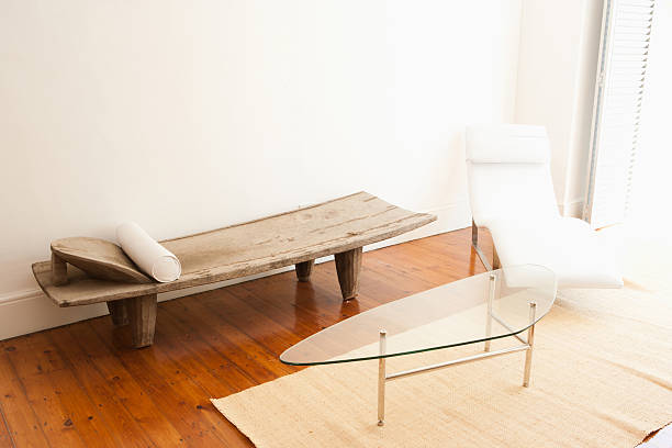 Living room with white chair and wooden bench:スマホ壁紙(壁紙.com)