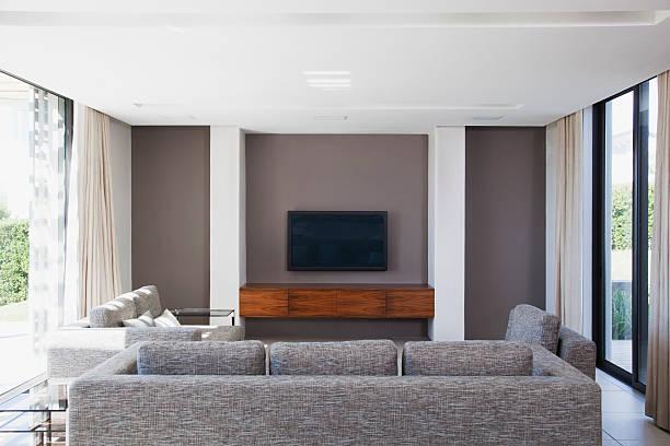 Living room in modern house:スマホ壁紙(壁紙.com)