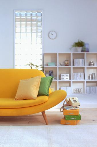 アーカイブ画像「Living room with yellow sofa」:スマホ壁紙(18)
