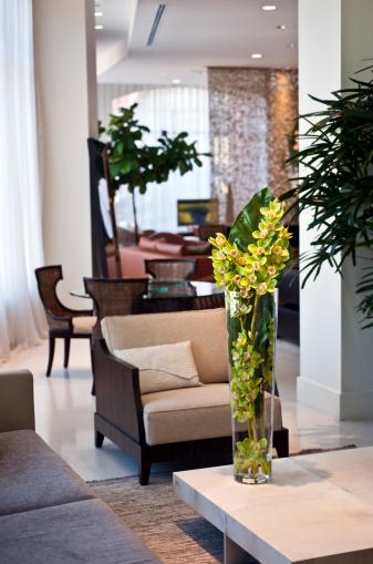 Furniture Store「Living room in a furniture showroom」:スマホ壁紙(14)