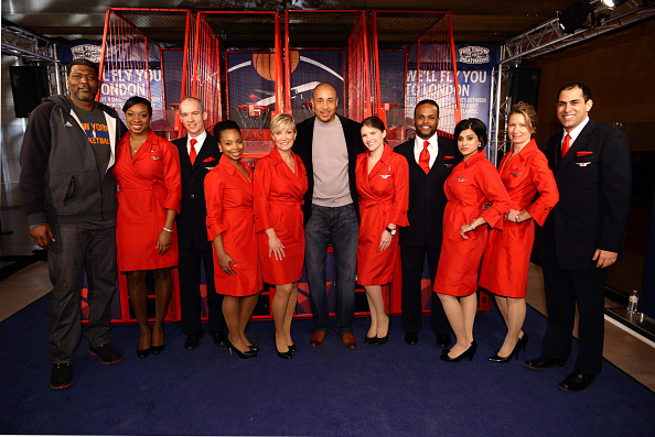 エンタメ総合「Delta Air Lines Hosts The 'Free Throw To Heathrow' Event Celebrating The New York Knicks Return To The O2 Arena In London As Part Of The NBA Global Games 2015 With John Starks, Larry Johnson And Earl Monroe At Grand Central Terminal's Vanderbilt Hall」:写真・画像(19)[壁紙.com]