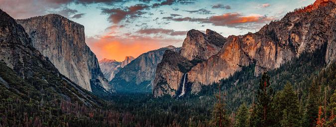 Half Dome「Yosemite Tunnel View at Sunset」:スマホ壁紙(17)