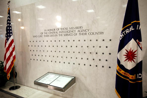 Central Intelligence Agency「Ceremonial Swearing-In Of Leon Panetta Is Held At CIA Headquarters」:写真・画像(3)[壁紙.com]