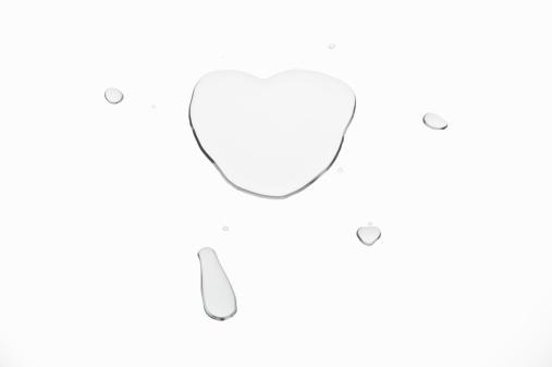 ハート「A heart drawn with water」:スマホ壁紙(5)